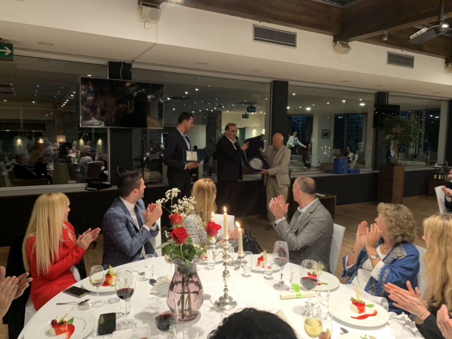 The European Olympic Committee presented awards for Simonovic and Vusurovic